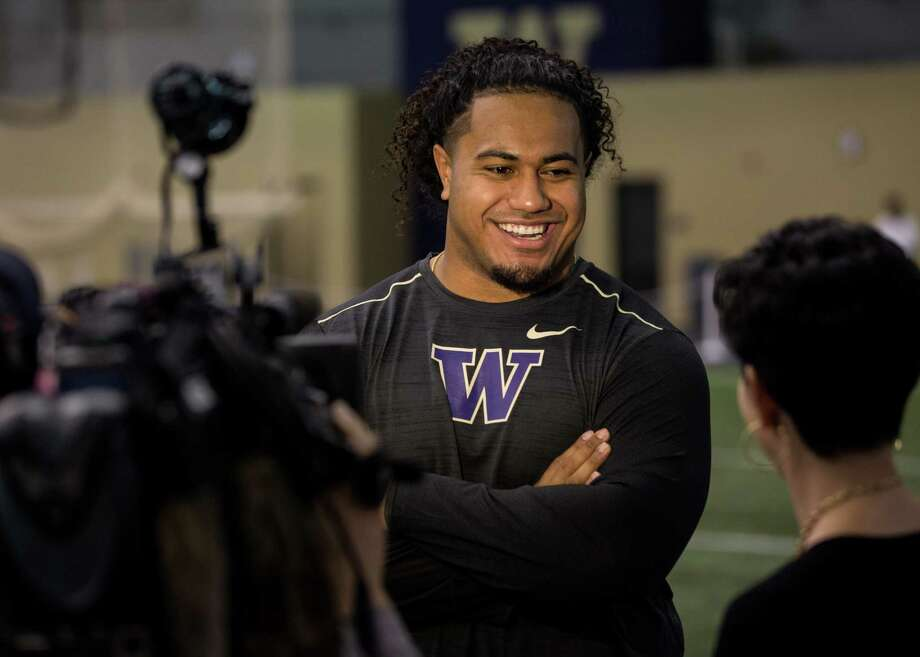 UW's top NFL prospect, Vita Vea, interviews during UW's Pro Day on Saturday, March 10, 2018. Vea sat out due to a hamstring injury. Photo: GRANT HINDSLEY, SEATTLEPI.COM / SEATTLEPI.COM