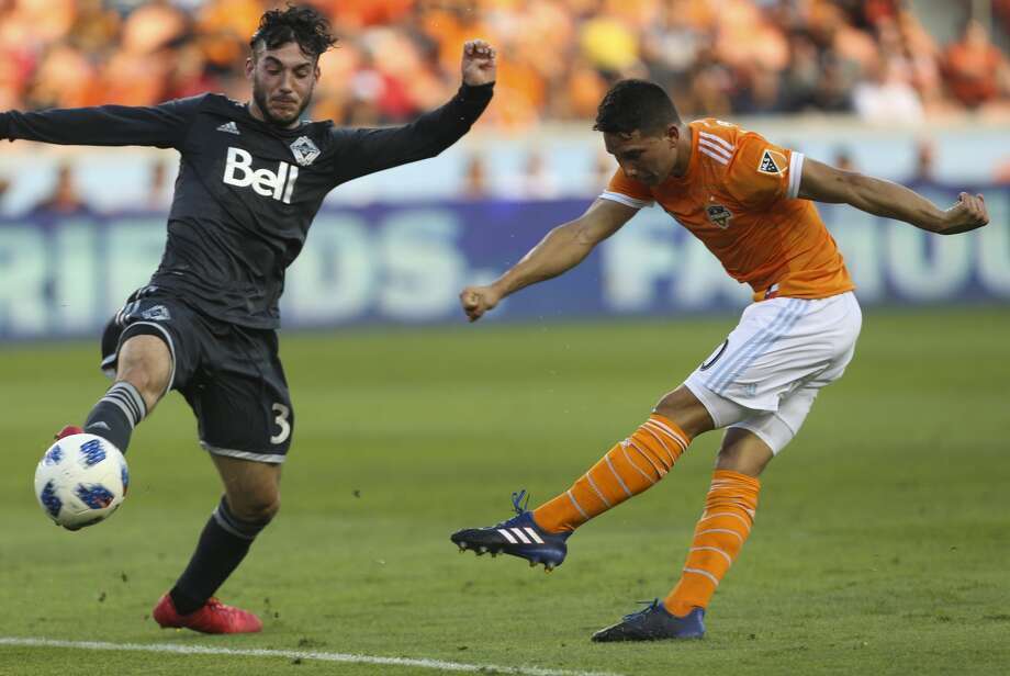 Vancouver Whitecaps defender Sean Franklin (3) deflects Houston Dynamo midfielder Tomas Martinez's (10) attempt at the goal during the first half of the MLS game at BBVA Compass Stadium on Saturday, March 10, 2018, in Houston. ( Yi-Chin Lee / Houston Chronicle ) Photo: Yi-Chin Lee/Houston Chronicle