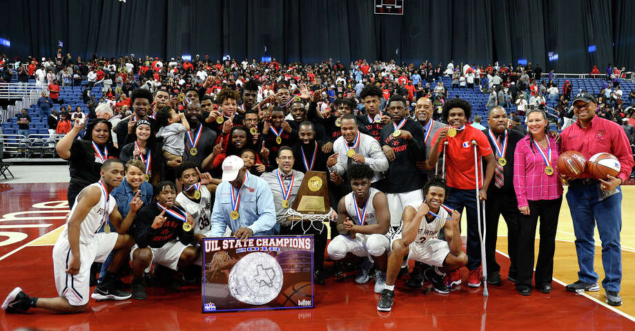Memorial poses with their hardware after beating Northwest in the class 5A state final at the Alamodome in San Antonio on Saturday afternoon.   Photo taken Saturday 3/10/18 Ryan Pelham/The Enterprise Photo: Ryan Pelham/Ryan Pelham/The Enterprise