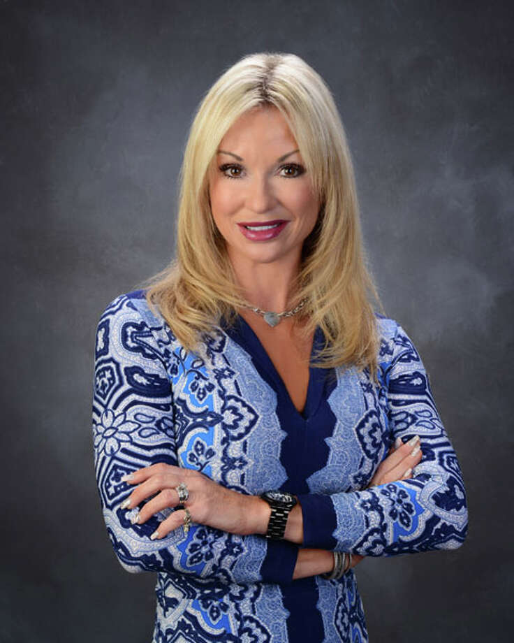 Real estate broker Kimberly Harding's 10-year career with RE/MAX and more than $10 million in commissions have earned her the company's Circle of Legends Award.
