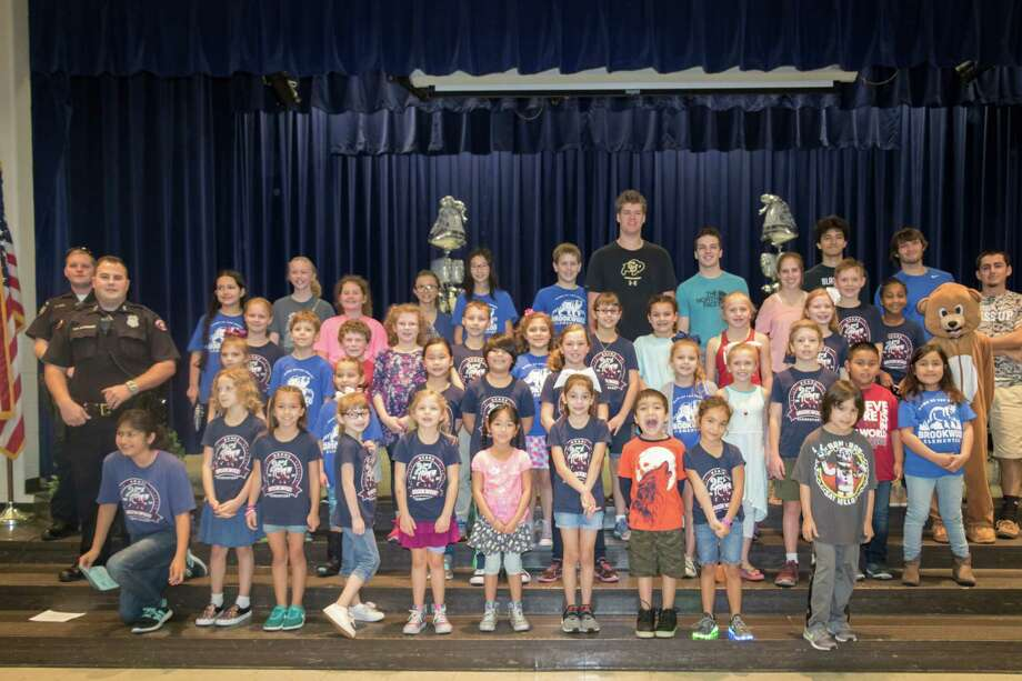 Brookwood Elementary School students and guests celebrate the campus' 25th anniversary Feb. 24. Photo: Courtesy Clear Creek Independent School District / ©ClearCreekISD