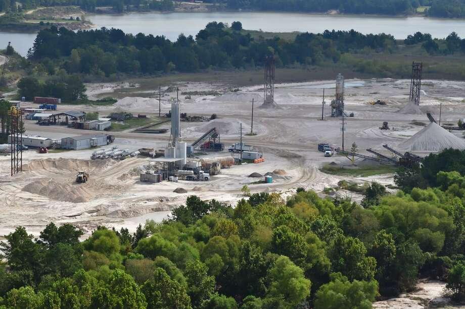 A sand mining facility on the San Jacinto River. Photo: Bob Rehak