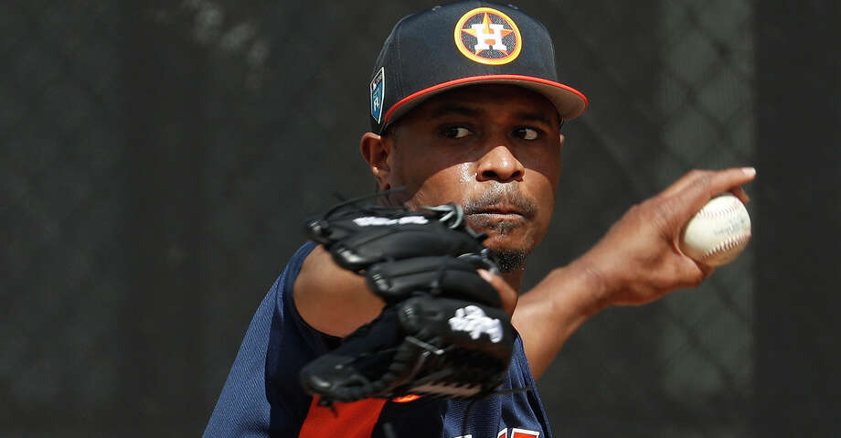 Tony Sipp has fended off the challenge, as he is the only lefthanded reliever remaining in camp. Photo: Karen Warren/Houston Chronicle