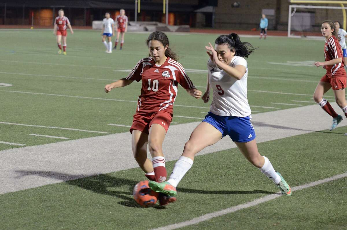 Martin (17-9-1, 10-6 District 31-5A), the only LSD team that qualified for the postseason, will square off with Brownsville Pace in bi-districts.