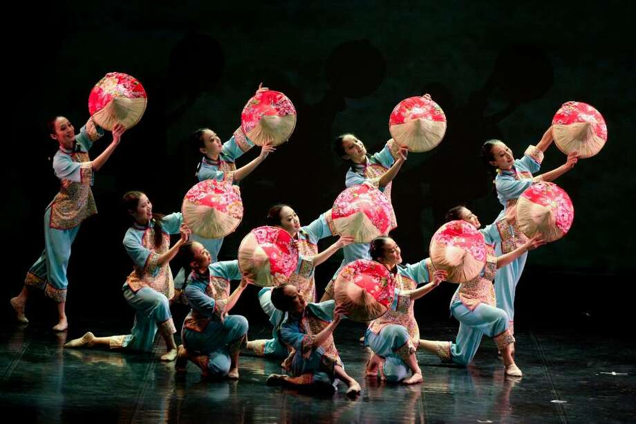 The Da-Guan Dance Theater will help celebrate Taiwanese-American Heritage Week on Friday at The Egg.