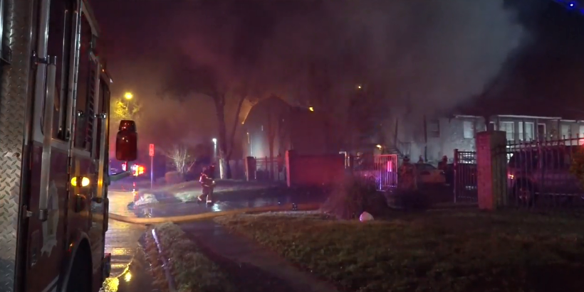 Fire destroys 16 apartments in north Houston