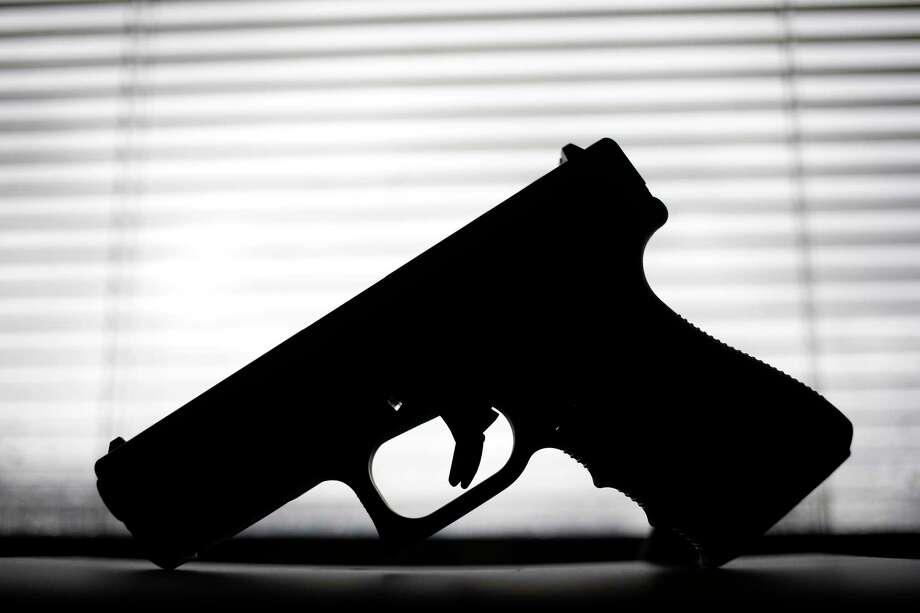 Resultado de imagen de Armed and safe? At Ohio schools, the security plan includes teachers and guns