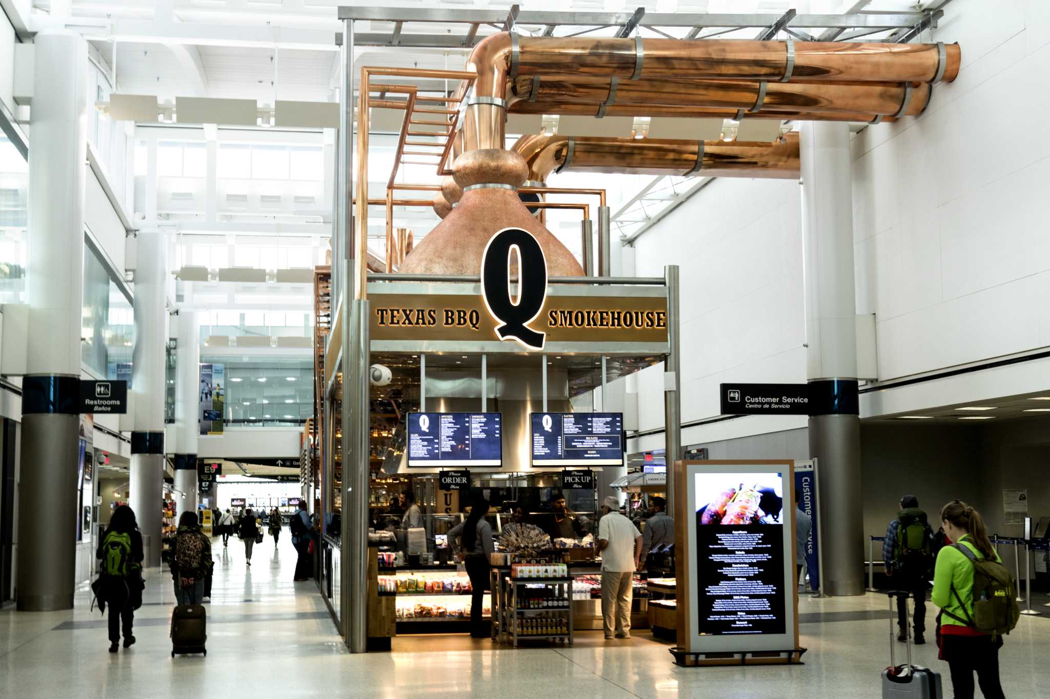 With Q Houston Airport S Restaurant Options Are Smokin Hot
