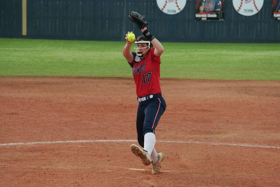 Dawson's Courtney Day (17) pitches against Tompkins Friday, Feb. 23 at Dawson High School. Photo: Kirk Sides, Houston Chronicle / © 2018 Kirk Sides / Houston Chronicle