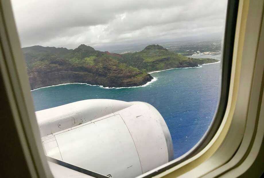 Arriving at Kauai's Lihue airport on a United B757 in 2016 Photo: Chris McGinnis