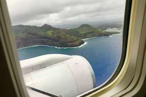Arriving at Kauai's Lihue airport on a United B757
