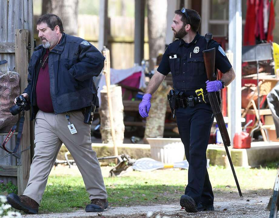 Beaumont Police investigate after an accidental shooting on Beaumont's Loop Road Monday. The incident involved an 8-year-old boy and his 14-year-old brother who was taken to the hospital.   Photo taken Monday, March 12, 2018 Guiseppe Barranco/The Enterprise Photo: Guiseppe Barranco