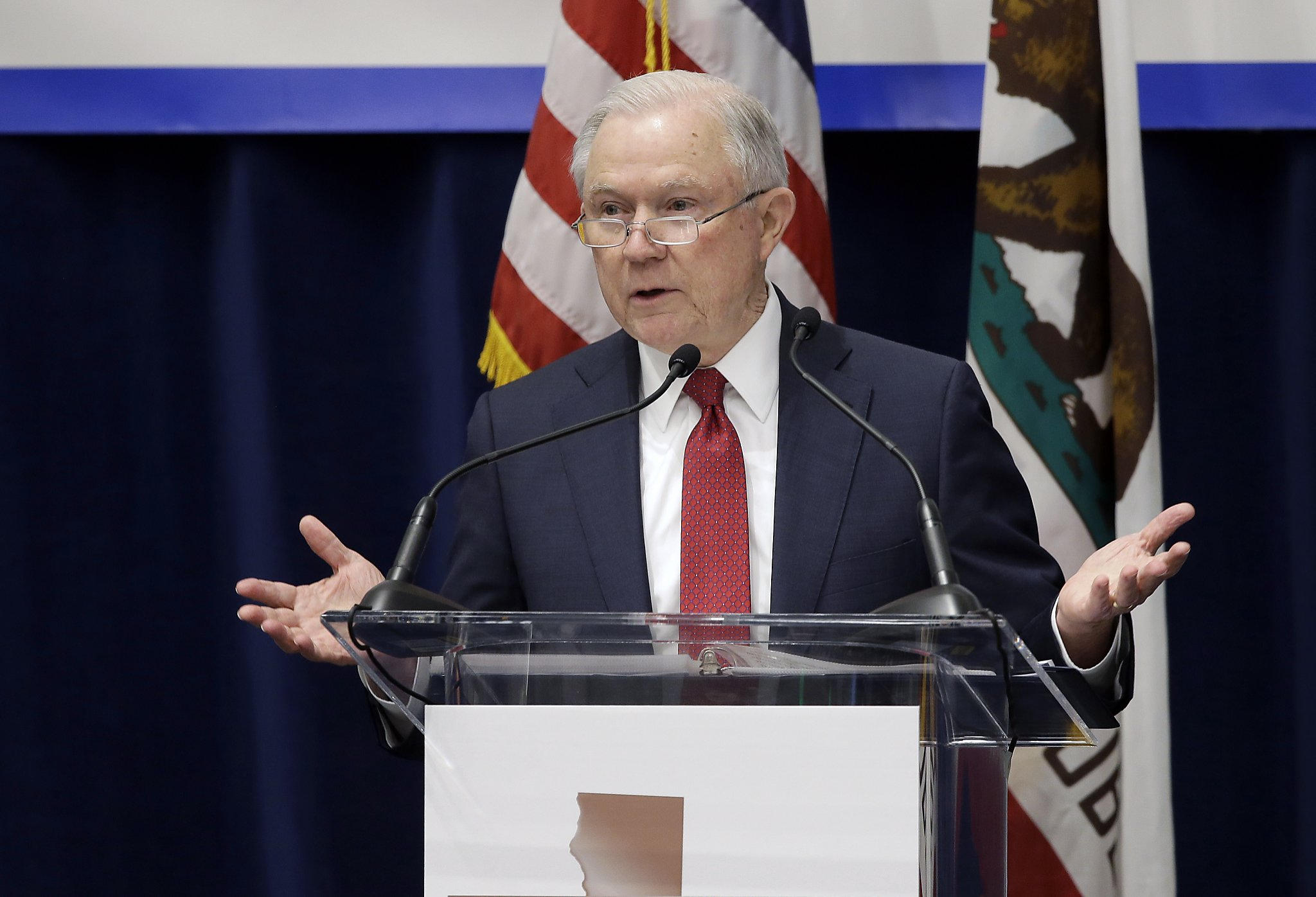 San Francisco ICE spokesman quits disputes agency claim that 800 eluded arrest