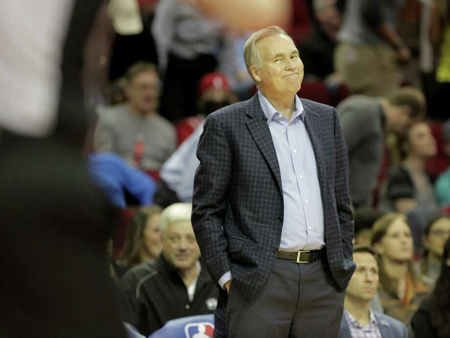 Houston Rockets head coach Mike D'Antoni looks at an official not agreeing with a recent call during game action against the San Antonio Spurs at the Toyota Center on Monday, March 12, 2018, in Houston. Rockets won the game 109-93. Photo: Elizabeth Conley, Houston Chronicle / © 2018 Houston Chronicle