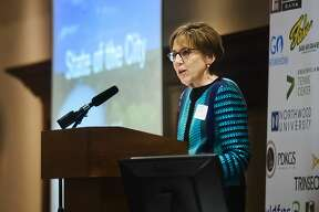 Mayor Maureen Donker gives her State of the City address during the Midland Area Chamber of Commerce Quarter luncheon on Tuesday, March 13, 2018 at the Great Hall Banquet & Convention Center. (Katy Kildee/kkildee@mdn.net)