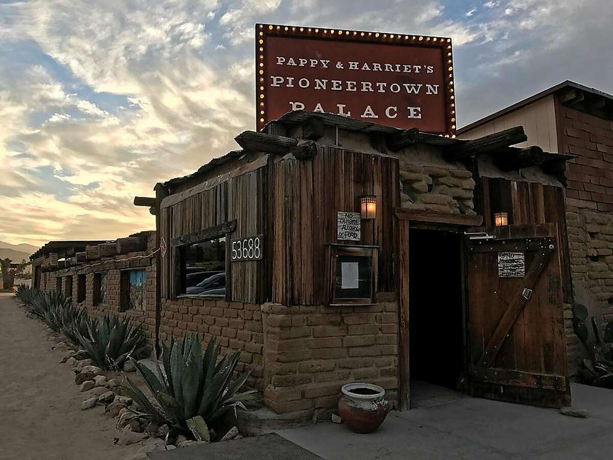 Pappy and Harriet's Pioneertown Palace in Pioneertown, Jeff Hollett-Flickr