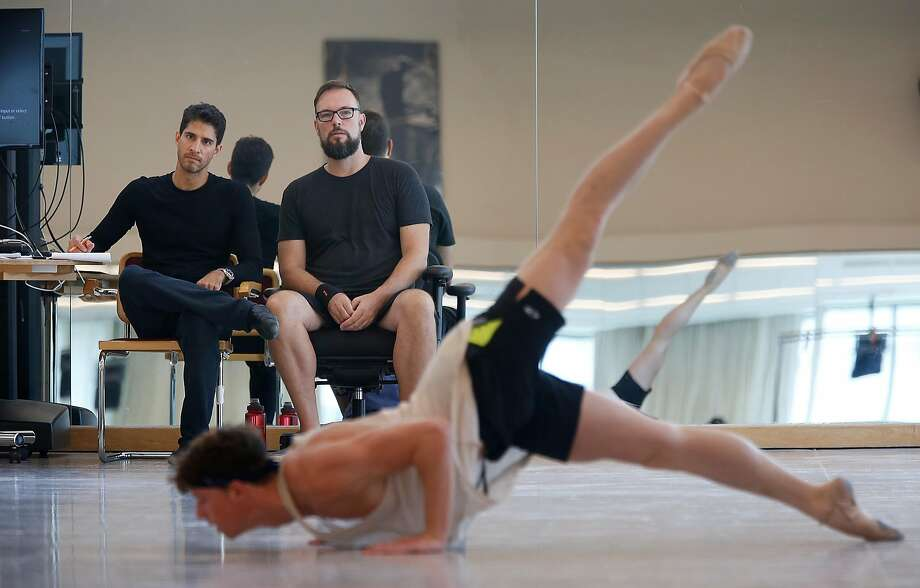 Choreographer Trey McIntyre (middle) with ballet master Felipe Diaz (left) rehearsing on new works festival series at SFBallet. Photo: Liz Hafalia / The Chronicle