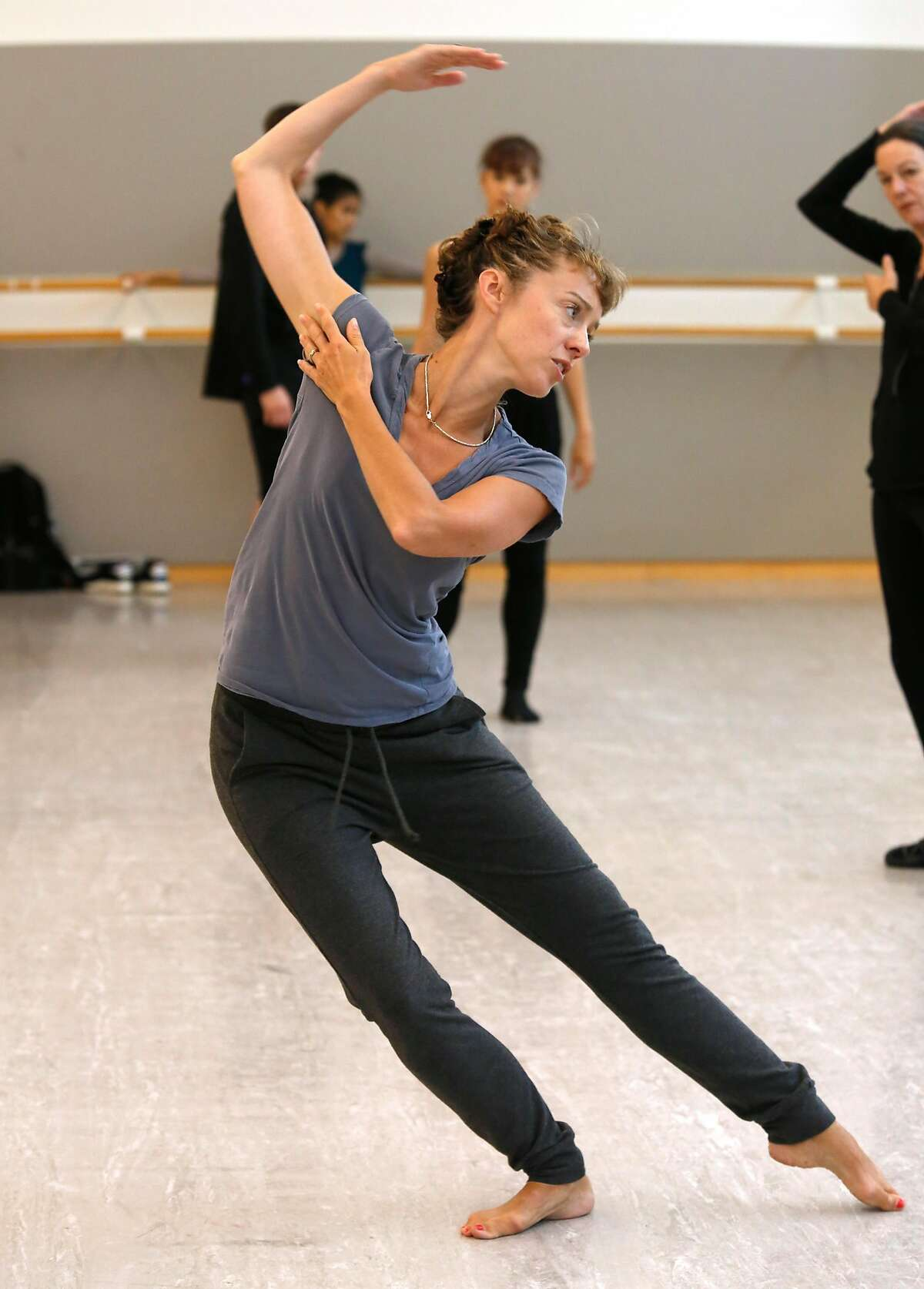 Choreographer Cathy Marston rehearses a San Francisco Ballet's New Works program.