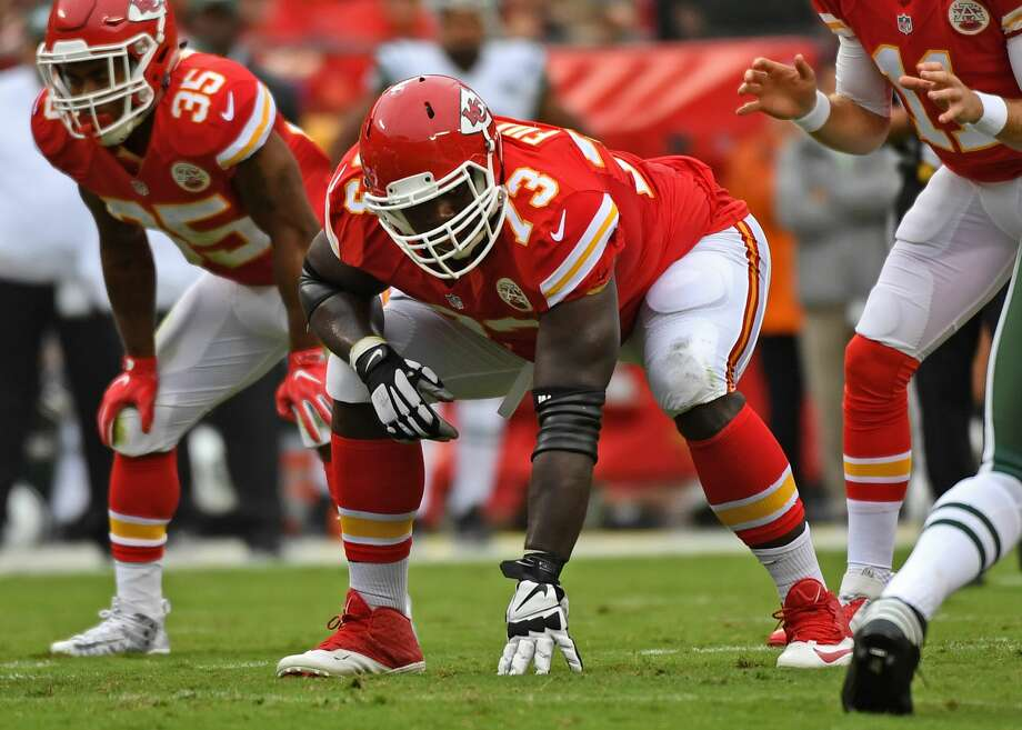 KANSAS CITY, MO - SEPTEMBER 25:  Offensive linemen Zach Fulton #73 of the Kansas City Chiefs gets set on the line against the New York Jets during the first half on September 25, 2016 at Arrowhead Stadium in Kansas City, Missouri.  (Photo by Peter G. Aiken/Getty Images) Photo: Peter G. Aiken/Getty Images