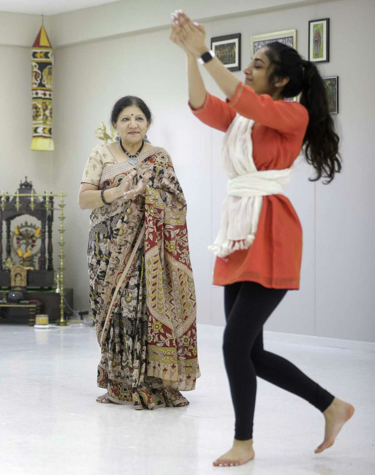 Rathna Kumar, left, works with her dance student, Kanika Draksharam, at the Anjali Center for Performing Arts, 2615 Cordes Dr., Tuesday, March 13, 2018, in Sugar Land. ( Melissa Phillip / Houston Chronicle )