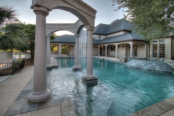 107 Greystone Ciricle:  $1,999,000   7 bedrooms | 8.5 bathrooms | 10,770 sq. ft. | Ranch subdivision