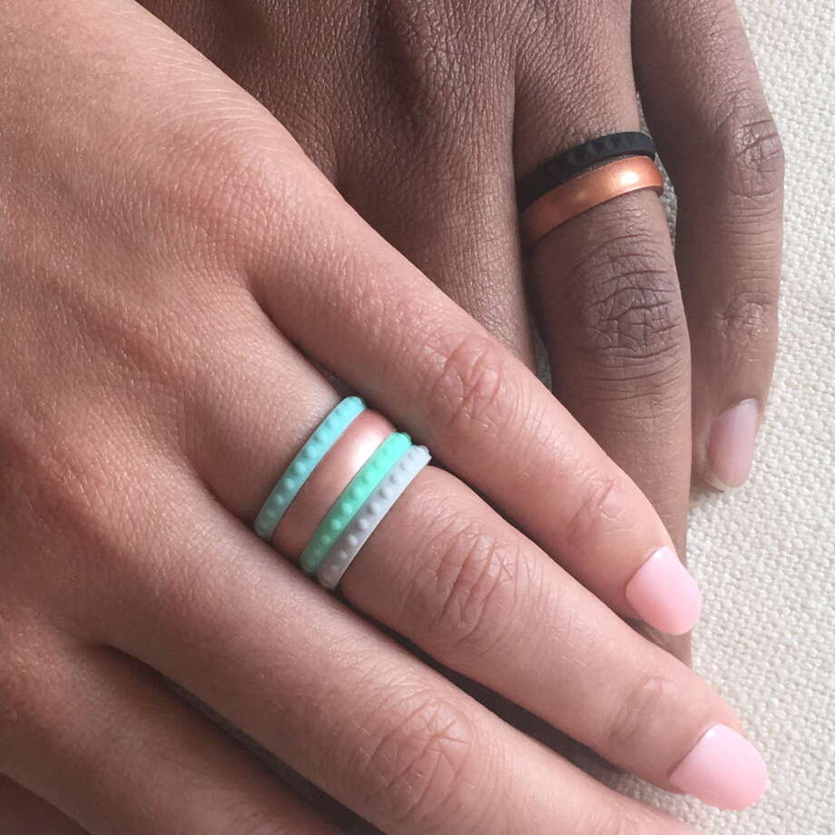 For married folks, silicone Enso rings are a spring break must-have ...