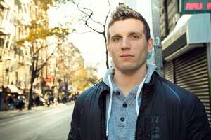 Chris Distefano brings his stand-up show to Comix Mohegan Sun March 22-24 for four performances.