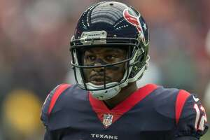 HOUSTON, TX - OCTOBER 01:  Houston Texans wide receiver Bruce Ellington (12) returns to the bench during the NFL game between the Tennessee Titans and Houston Texans on October 1, 2017 at NRG Stadium in Houston, Texas. (Photo by Leslie Plaza Johnson/Icon Sportswire via Getty Images)