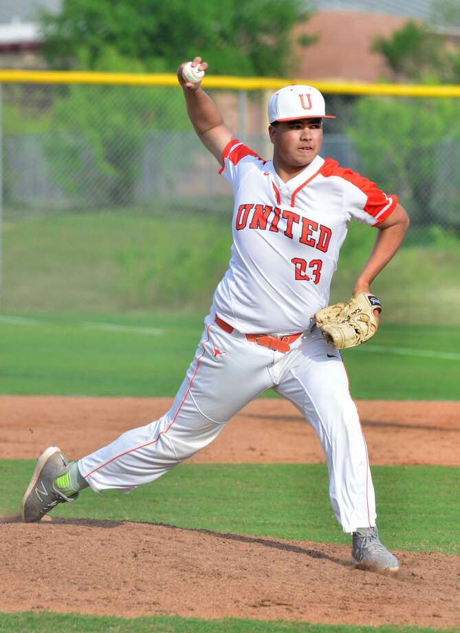 Adrian Castillo held United South to one hit and one run with six strikeouts Wednesday in United's 6-1 win at the SAC. Photo: Cuate Santos /Laredo Morning Times / Laredo Morning Times