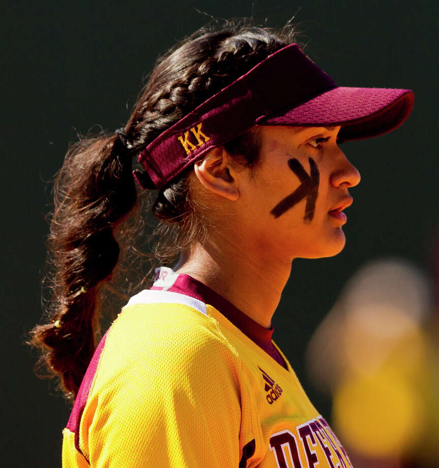 Deer Park third baseman KK Morado (18) is seen during the first inning of a non-district high school softball game at The Woodlands High School, Wednesday, March 14, 2018, in The Woodlands. Deer Park defeated The Woodlands 4-2. Photo: Jason Fochtman/Houston Chronicle