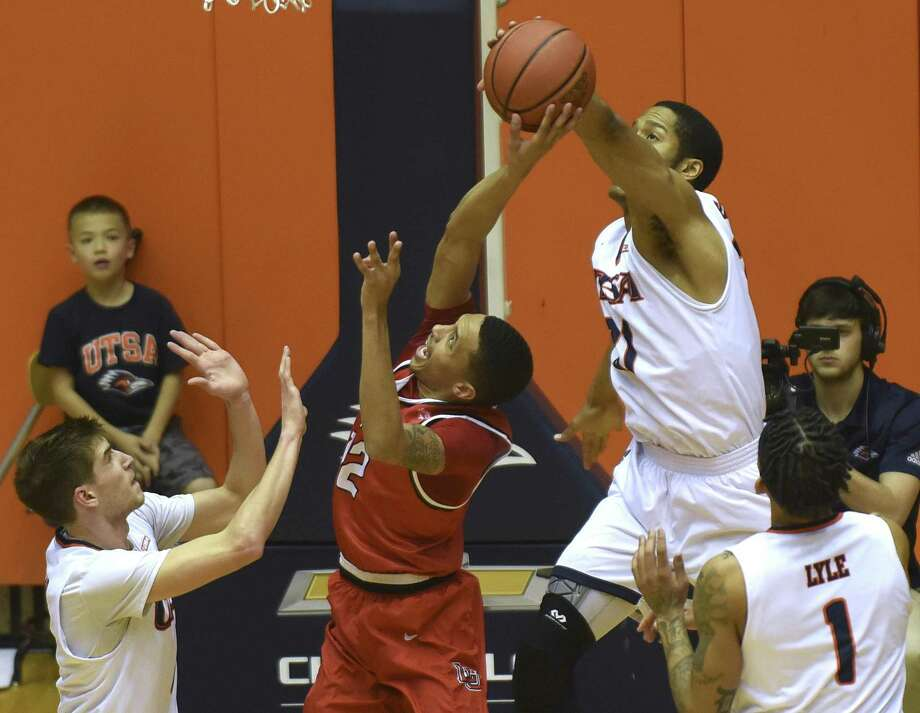 UTSA's Kendell Ramlal backs a shot by Lamar's Zjori Bosha during first-half CollegeInsider.com tournament action in the UTSA Convocation Center on Wednesday, March 14, 2018. Photo: Billy Calzada, Staff / San Antonio Express-News / San Antonio Express-News