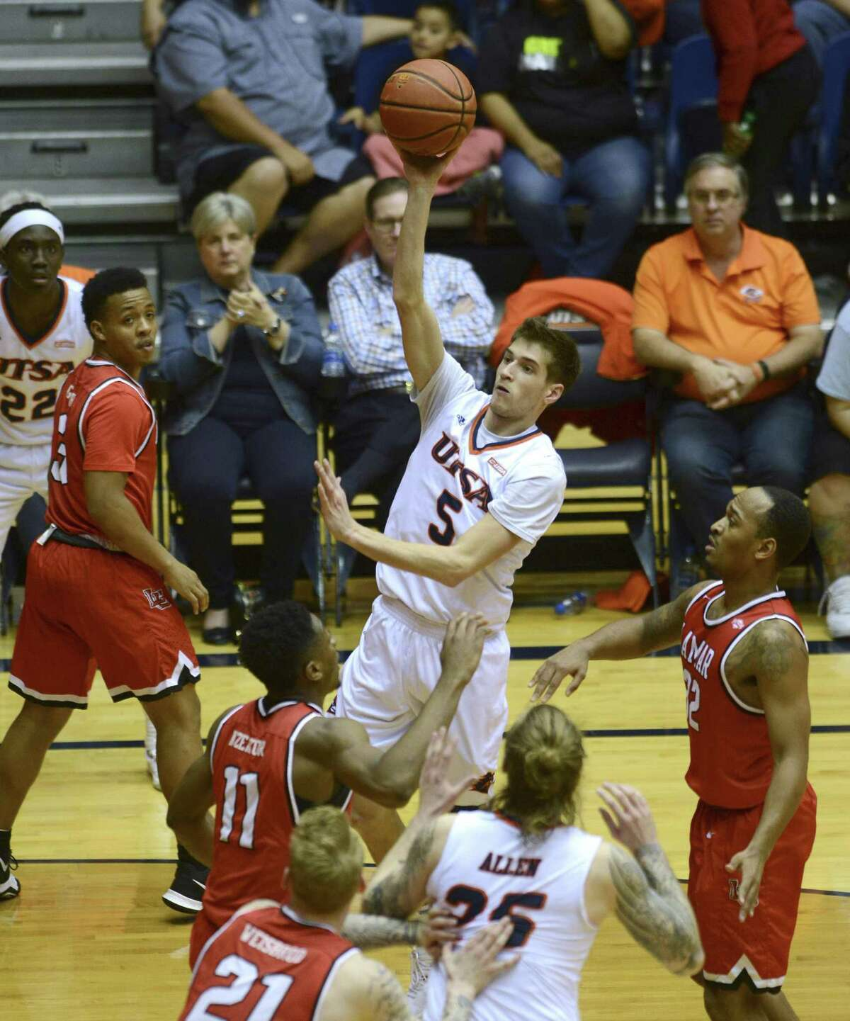 Giovanni De Nicolao of UTSA shoots and scores against Lamar during second-half CollegeInsider.com tournament action in the UTSA Convocation Center on Wednesday, March 14, 2018.