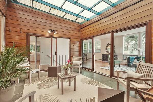 This mid-century perched on Clarendon Heights has been owned by one family since 1959, the year it was built. Yours could be next, but you need $2.498M.