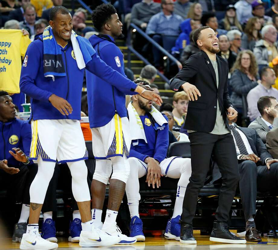 Though he had to wear street clothes because of an injury, Stephen Curry enjoyed his 30th birthday. Photo: Scott Strazzante, The Chronicle