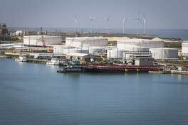 Oil storage tanks line the Port of Corpus Chrisit, Wednesday, March 7, 2018. ( Mark Mulligan / Houston Chronicle )