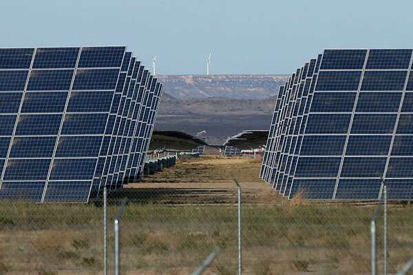 Large-scale battery storage could accelerate the growth of solar energy in Texas and beyond.
