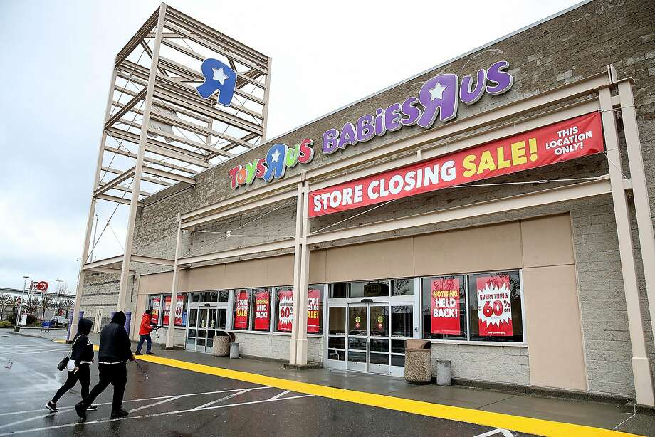Without toys r us 30000 jobs lost a black hole for toy makers customers enter the toys r us in emeryville designated earlier for closure below spiritdancerdesigns Image collections