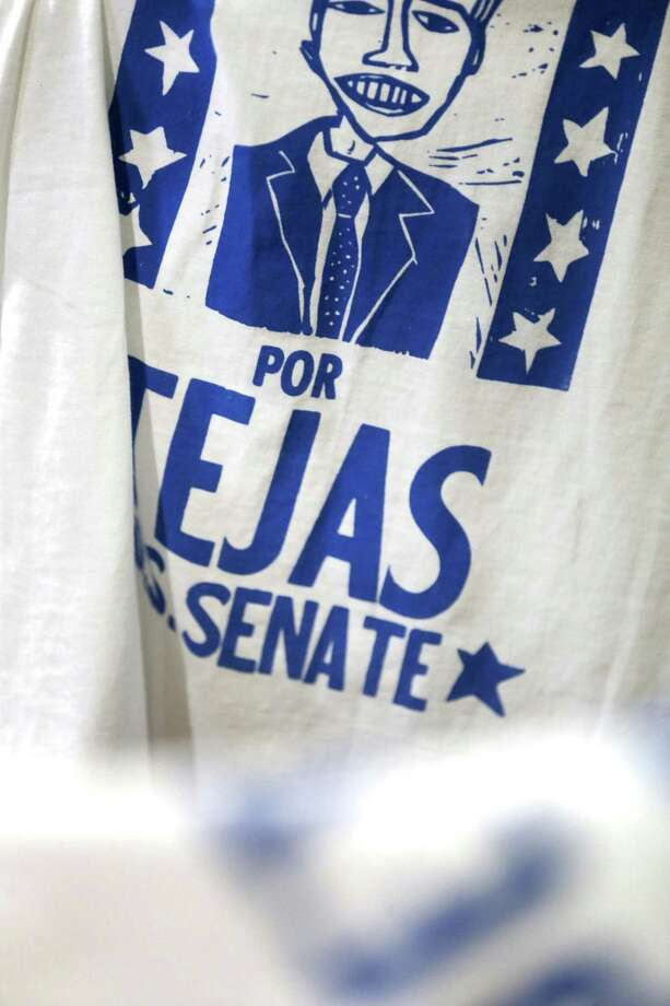 "Artist Cruz Ortiz silk- screened ""Beto por Tejas"" T-shirts last month at a town hall in San Antonio. Photo: William Luther / San Antonio Express-News / © 2018 San Antonio Express-News"