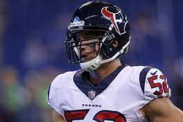 INDIANAPOLIS, IN  December 31: Houston Texans inside linebacker Brian Peters (52) during an NFL football game between the Houston Texans and the Indianapolis Colts on December 31, 2017, at Lucas Oil Stadium in Indianapolis IN. The Indianapolis Colts defeated the Houston Texans 22-13. (Photo by Jeffrey Brown/Icon Sportswire via Getty Images)