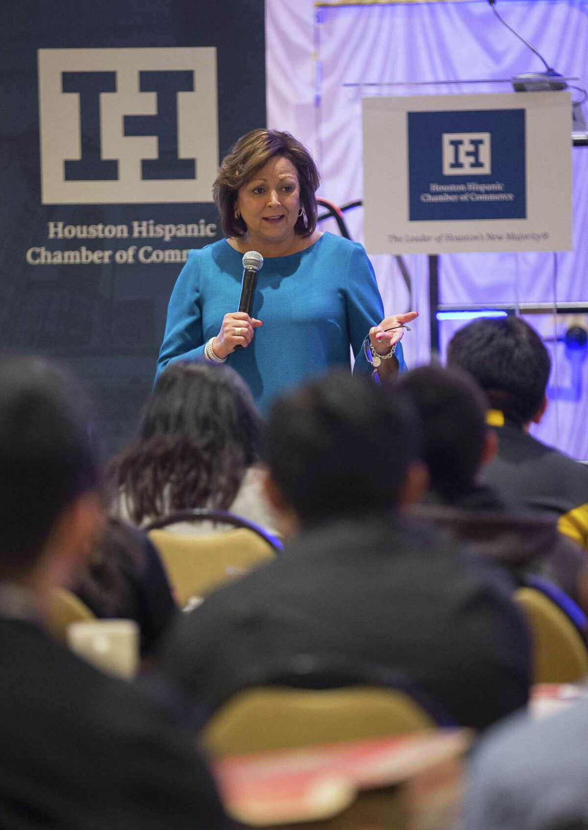 New Mexico Governor Susana Martinez speaks to Houston-area high school students during the Houston Hispanic Chamber of Commerce's Women?'s Leadership Conference & Business Expo, Thursday, March 15, 2018, in Houston. ( Mark Mulligan / Houston Chronicle )