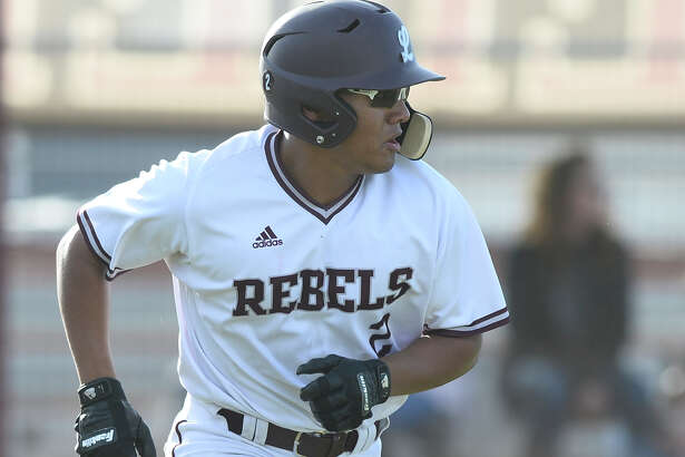 Lee's Jordan Matthews (2) bats against Amarillo Tascosa March 15, 2018, at Ernie Johnson Field.  James Durbin/Reporter-Telegram