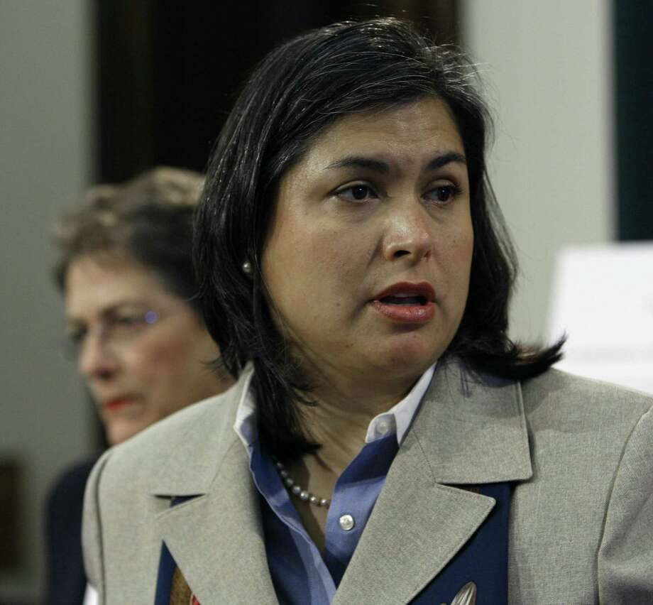 State Rep. Jessica Farrar, D-Houston, calls for greater state oversight of crisis state pregnancy centers and penalties for centers that give women deceptive or misleading information in 2007. Photo: Harry Cabluck /AP / AP