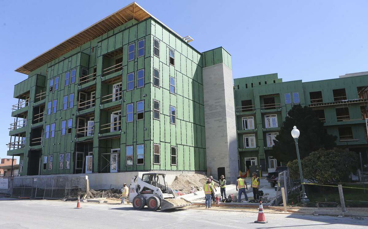 The Baldwin at St. Paul Square apartments on the near East Side is under construction Wednesday March 7, 2018. Built by the NRP Group, it is one of several complexes they doing in partnership with the San Antonio Housing Trust Public Facility Corp., a city nonprofit.