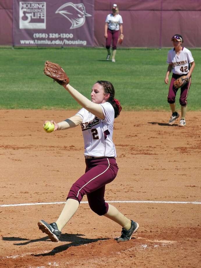 TAMIU pitcher Delainy Thompson threw five innings giving up six runs (five earned) on four hits with four walks and two strikeouts in a loss to Rogers State to begin the Heartland Conference tournament. Photo: Cuate Santos /Laredo Morning Times File / Laredo Morning Times