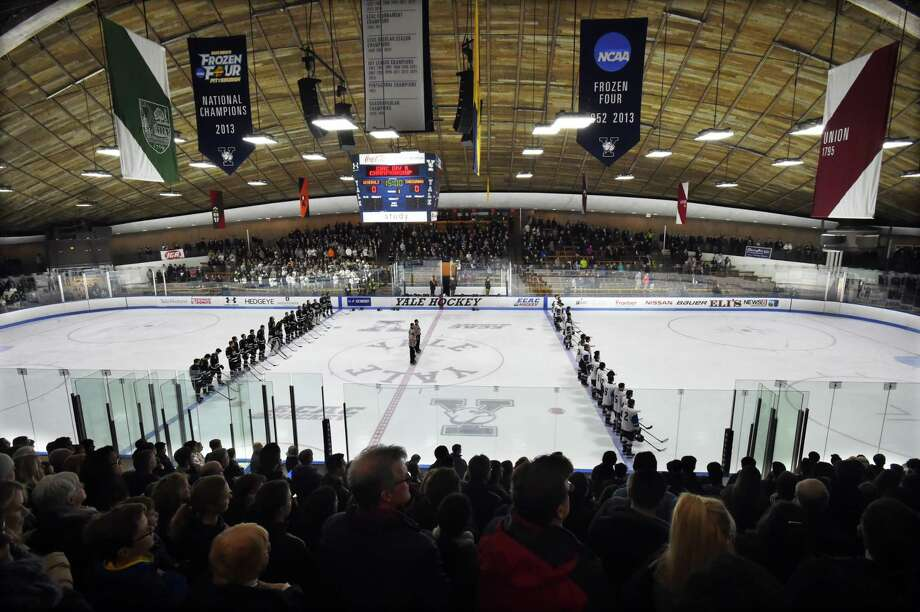 Farmington Valley vs. Guilford in the CIAC Division II state ice hockey championship, March 16, 2018, at Ingalls Rink in New Haven. Photo: Catherine Avalone, Hearst Connecticut Media / New Haven Register