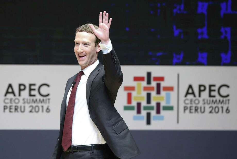 """Facebook CEO Mark Zuckerberg is saying """"bye"""" to a lot of users who are considering deleting their Facebook accounts because of the Cambridge Analytica scandal. Photo: Ernesto Arias/EFE / Ernesto Arias/EFE / TNS File / Zuma Press"""