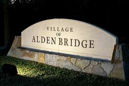 Alden Bridge Village is the largest of all nine villages in The Woodlands. The village is on the northern edge of the township.