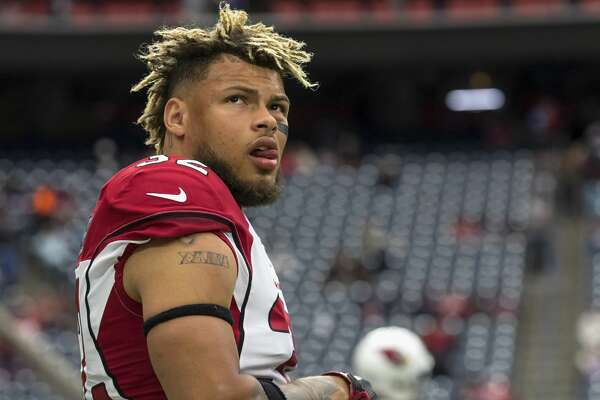 HOUSTON, TX - NOVEMBER 19: Tyrann Mathieu #32 of the Arizona Cardinals warms up before the game against the Houston Texans at NRG Stadium on November 19, 2017 in Houston, Texas. (Photo by Tim Warner/Getty Images)