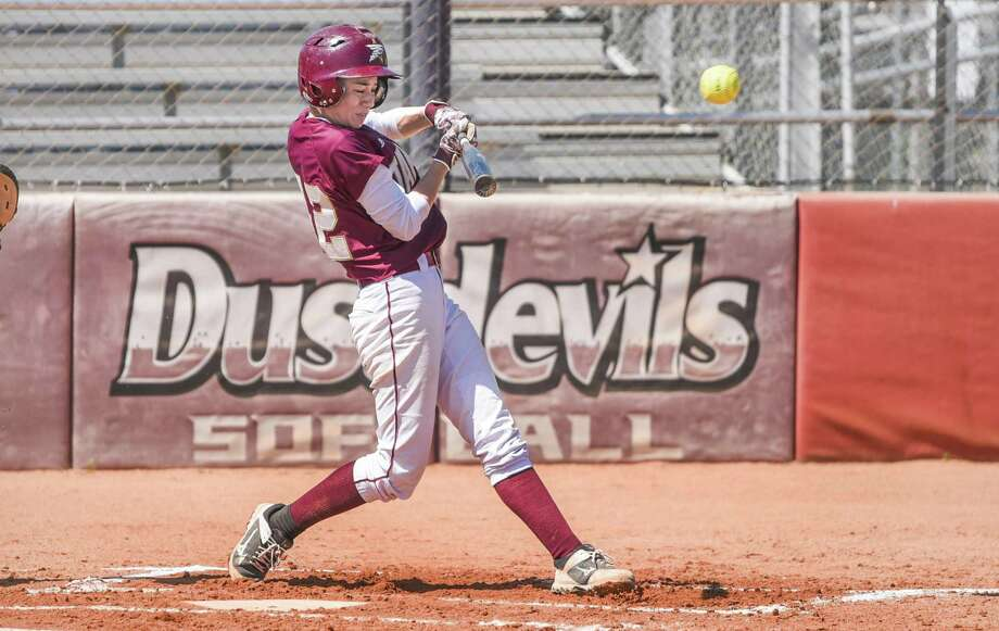 Shortstop Alyssa Acuna had a go-ahead RBI double in the sixth inning as TAMIU won 3-1 Saturday over St. Edward's. The Dustdevils won a school record 17th conference game. Photo: Danny Zaragoza /Laredo Morning Times File