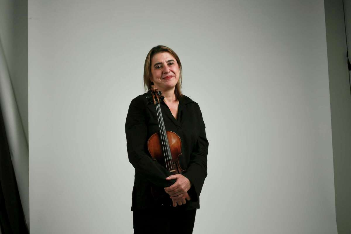 Acclaimed violinist Nadja Salerno-Sonnenberg, who performed the Max Bruch Violin Concerto with the symphony in 2010, returns to perform and lead the orchestra in Vivaldi's